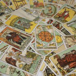 Relación entre el arcano El Mundo y el signo zodiacal Escorpio